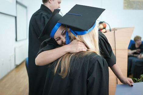 Hochschule Abschluss Absolventin